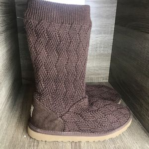 UGGS Australia brown size 5 women